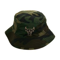 New Era Tipped Chicago Bulls Bucket Hat Camo ($24) ❤ liked on Polyvore featuring accessories, hats, camouflage hats, camo fishing hat, fishing hat, fisherman hat and camo hat