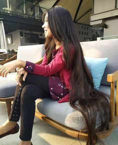 because it highlights the beauty of every woman ! Very Long Hair, Long Hair Cuts, Long Hair Styles, Silky Hair, Smooth Hair, Real Life Rapunzel, Long Locks, Layered Cuts, Female Images
