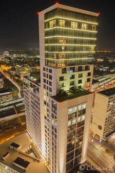 Berlin | Zoofenster (Waldorf-Astoria) | 120m ,in der City-West....