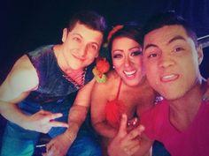 ¡Gino Pesaressi y La Mamacha en el Backstage de Amigos y Rivales!