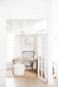 This board offers the best home office inspiration. All you need is a desk and some office organization to get started! home office Architecture Renovation, Home Renovation, Home Remodeling, Modern Architecture, Home Office Design, Home Office Decor, Home Design, Office Ideas, Office Furniture