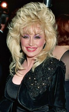 A Dolly Parton Smiling Whit Big Hair Picture Celebrity Print Dolly Parton Wigs, Dolly Parton Pictures, Country Music Singers, Sexy Older Women, Sexy Women, Hello Dolly, Big Hair, Hair Day, Trends
