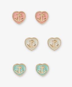 anchor earrings! there pretty and pastel!