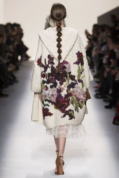 Valentino Fall 2014. Russian pattern in modern fashion. Braid.: