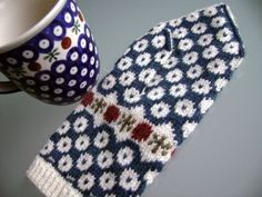 Polish pottery inspired mittens!!