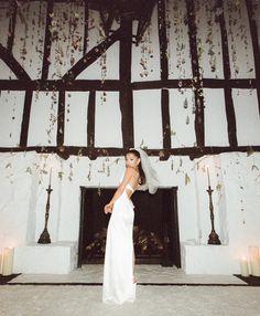 Inside Ariana Grande's Intimate At-Home Wedding   Vogue Ariana Grande Fotos, Ariana Grande Cute, Ariana Grande Photoshoot, Ariana Grande Pictures, Ariana Tour, Vera Wang, Home Wedding, Wedding Ceremony, Dream Wedding