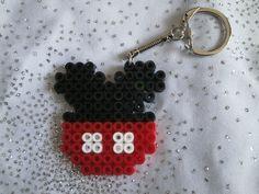 Porte clé Mickey en perles Hama.