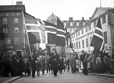 """Today we celebrate """"syttende mai"""", Norway´s National Day. This is the parade in Uppsala, Sweden in 1943."""