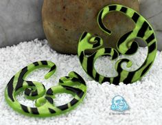 Acetate Inner Wave design (Lime zebra print)
