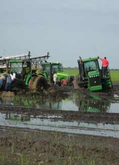 A collection of tractor accident pictures from around the world. You'd be amazed at the situations that some farmers get themselves into with their tractors! Old Tractors, John Deere Tractors, Stuck In The Mud, Tractor Pulling, Heavy Machinery, Classic Motors, Down On The Farm, Heavy Equipment, Agriculture