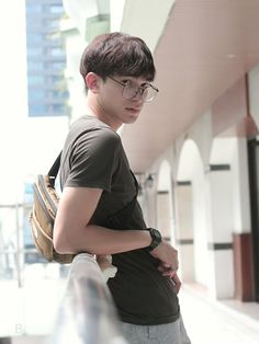 What The Duck, Thai Drama, Cute Gay, Leonardo Dicaprio, Famous People, Strong, Couples, Dramas, Oreo