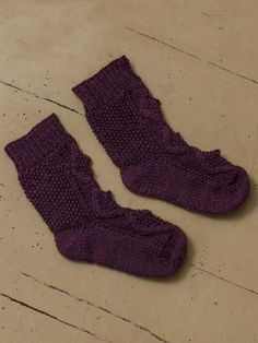 Neulotut vauvan villasukat Novita Nalle | Novita knits Socks, Knitting, House, Ideas, Design, Fashion, Moda, Tricot, Home