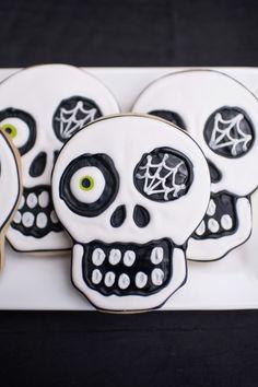 halloween skull cookies