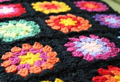 Nittybits: Seventies Granny Square Blanket Tutorial