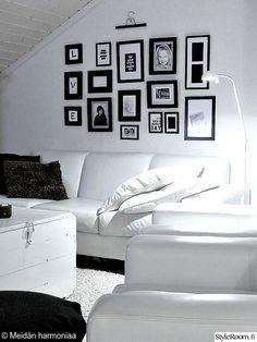 taulukollaasi,aula,tv-huone