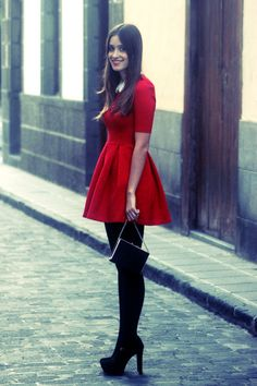 Perfecto para navidad :) Little Red Dresses, dress, clothe, women's fashion, outfit inspiration, pretty clothes, shoes, bags and accessories
