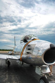 Wings in the sky  F-86 Sabre Jet