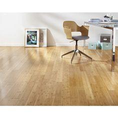 Transformez votre sol avec le revêtement massif Bamboo. Affichant une épaisseur de 15 mm, ce revêtement à coller dispose de 4 chanfreins.