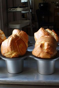 This traditional yorkshire pudding recipe is a quick and easy bread recipe! Bake this delicious pastry using flour, milk, and melted beef fat. You will love serving this yorkshire pudding for dessert!