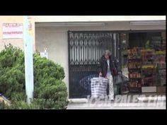 ¡No podrás creer lo que hizo este hombre sin hogar con los 100 dólares que le regaló un chico! | Upsocl