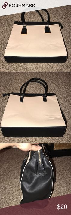 Aldo bag Medium sized Aldo Bag. Slight wear but great condition. Beige and black with gold hardware. Full zip. Some ripples on beige portion. Aldo Bags