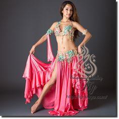 Design by Hoyda / Model: Donya / Fig Belly Dance / World Wide Shipping #figbellydance #bellydancecostume #worldwideshipping