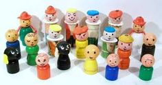 I loved playing with these! Fisher Price Little People, these were very simple 1971 toys that looked like your dads shaving brush, but instead of a brush at the top you would have a face of a character, that you could swivel around. Fisher Price Toys, Vintage Fisher Price, 70s Toys, Retro Toys, Vintage Games, Vintage Toys, Vintage Stuff, Childhood Toys, Childhood Memories