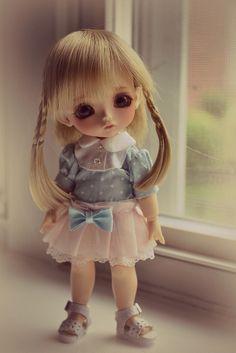 Lola (Lati Yellow Sunny), via Flickr.