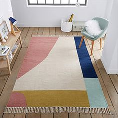 Ankara Wool Mix Flat Weave Kilim Rug LA REDOUTE INTERIEURS Inspired by traditional kilim rugs this hand-woven Ankara rug brings a splash of vibrant colour and texture to any room. Ankara, Contemporary Rugs, Modern Rugs, Deco Pastel, Magazine Deco, Tapis Design, Anglepoise, 230, Eclectic Rugs