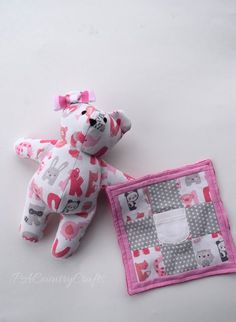Make a keepsake memory bear from outgrown baby sleepers or onesies that you just can't stand to part with! DIY - free sewing tutorial and pattern