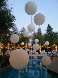 Pool Wedding Decorations, White Party Decorations, Backyard Engagement Parties, Backyard Pool Parties, Hamptons Party, Baby Shower Niño, Bridal Shower, Wedding Balloons, Balloon Designs