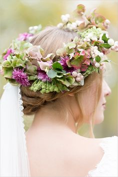#floralcrown #wedding hairstyle with fresh #flowers. Order your fresh #bouquet here: www.bloomsybox.com/