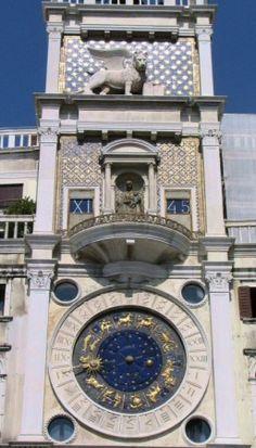 Venecia – Torre dell Orologio, reloj astronómico en la Plaza de San Marcos