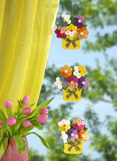 Class Decoration, School Decorations, Felt Flowers, Paper Flowers, Creative Crafts, Diy And Crafts, Wall Painting Decor, Origami And Quilling, Easter Egg Crafts