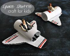A Happy Homemade Space Shuttle Craft minute crafts for boys for the home room Space Crafts For Kids, Space Preschool, Fun Projects For Kids, Space Activities, Crafts For Boys, Fun Activities For Kids, Toddler Crafts, Preschool Crafts, Art For Kids
