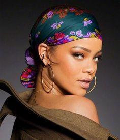 Hair Wrap Scarf, Hair Scarf Styles, Head Wrap Headband, Curly Hair Styles, Natural Hair Styles, Scarf Hairstyles, Girl Hairstyles, Mode Turban, Rihanna Style