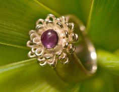 """Ring """"Happiness'"""" zilver met bloem en amethist, www.nicolinevanboven.com"""