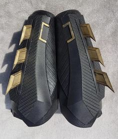 Here are my new Gauntlets. Cast in high quality Black Urethane, the Fins are coldcast in Resin using metallic powders. The Gauntlets are available in various colours: Buckle Detail can be Gold/Silver or Black Fins can also be Gold/Silver or Black Concept Weapons, Armor Concept, Superhero Cosplay, Batman Cosplay Costume, I Am Batman, Batman Suit, Nightwing Cosplay, Batman Armor, Iron Man Armor