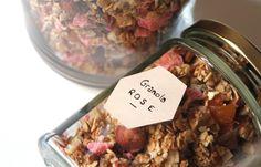 Granola aux pépites de pralines roses // La vie lilloise