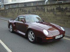 Porsche 959 fue el primer automóvil deportivo moderno en utilizar tracción en las cuatro ruedas y se fabricaron 268 unidades para la calle. #PorscheFact