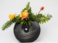 Freestyle ikebana by MaryLou Coffman Ikebana Flower Arrangement, Flower Arrangements, Floral Designs, Ancient Art, Japanese Art, Bonsai, Create, Flowers, Decor