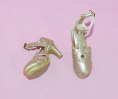 "TONNER 16"" DREAMETTES GOLD FAUX LEATHER SHOES FIT TYLER SYDNEY BRENDA STARR #Tonner #ClothingAccessories"