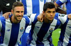 Miguel Layún celebra triunfo en el Clásico de Portugal - Este domingo, con Miguel Layún y Jesús Manuel Corona como titulares, el Porto venció 1-0 al Benfica en el Clásico de Portugal, en duelo de la jorn...