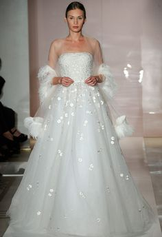 Wedding dresses - Bruidsjurken ...Oooo!!!  How beautifully romantic....shimmering in candlelight.,or any light... I can see it...