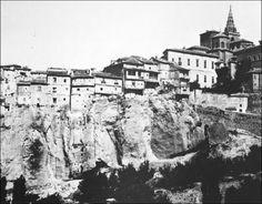 Fachada de las Casas Colgadas (1900).