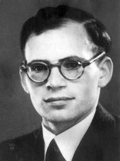 Hans Conrad Leipelt, (18 July 1921 – 29 January 1945), who was NOT a member of the White Rose. He was just in contact with one of their members, Jürgen Wittenstein and actually a member of a more radical resistance group. (Er gehörte zu einer Hamburger Widerstandsgruppe und verbreitete ein Flugblatt der Weißen Rose. Er selber war allerdings nur mit Jürgen Wittenstein - von dessen Mitgliedschaft in der Weißen Rose er nichts wusste - bekannt.)