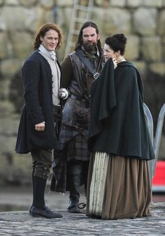 https://www.facebook.com/OutlanderItaly/photos/ms.c.eJw9z9kNwDAIA9CNKiAcZv~