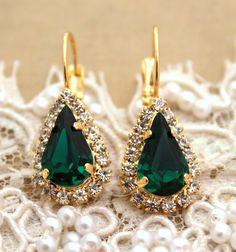 Emerald Drop gold earrings, Emerald Bridal jewelry, Green Crystal earrings, Emerald dangle earrings, Swarovski earrings, Wedding jewelry.