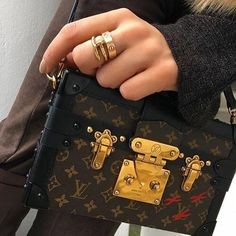 Designer Purses Louis Vuitton Outlet 2016 Free Shipping, Buy Discount LV Handbags For This Site, It Is The Best Choice To Send Your Friend As A Gift, Shop Now! #Louis #Vuitton #Handbags
