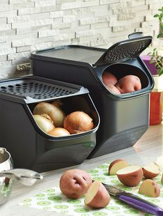 Onion & Garlic and Potato Smart Containers. Smart features, like opaque material and vented seal panel, extend the life of these essential ingredients.